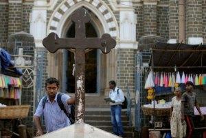 L'entrée du sanctuaire Sainte Marie du Mont de Bombay
